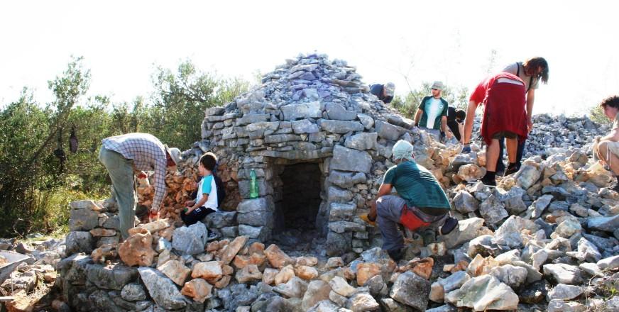 Dry Stone Wall Mason