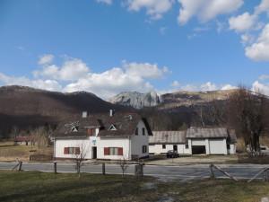 """Planinarska kuća """"Vila Velebita"""" - pogled izvana"""